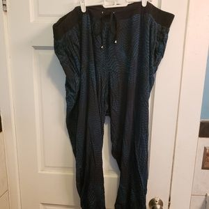 Torrid size 4 printed harem pants